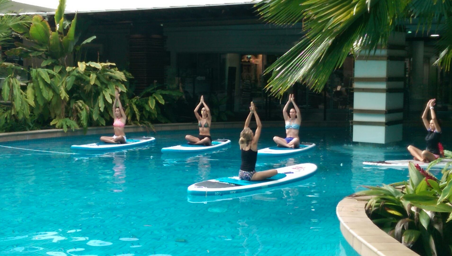 SUP Yoga Classes in Palm Cove